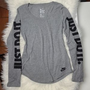 NWOT Nike Heather Grey Shirt